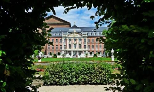 Zdjecie NIEMCY / Nadrenia-Palatynat, Trewir / Kurfürstliches Palais / Zabytkowe Niemcy
