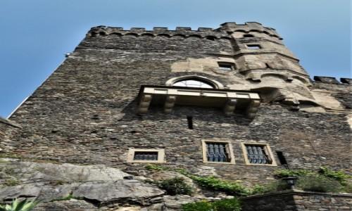 Zdjecie NIEMCY / Dolina Renu / Assmannshausen / Romantik-Schloss Burg Rheinstein