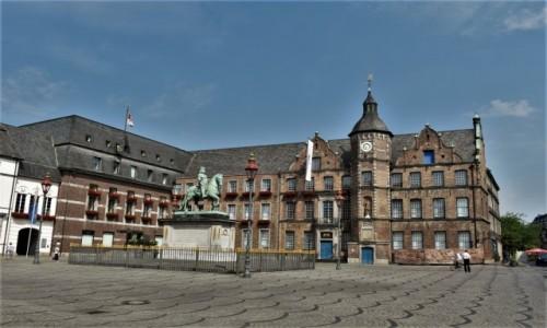 NIEMCY / Nordrhein-Westfalen / Ratingen / Diseldorf, stary ratusz