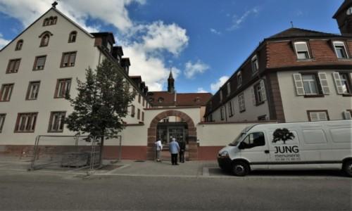 Zdjecie NIEMCY / Dolny Ren / Niederbronn-les-Bains / Niederbronn-les-Bains, klasztor