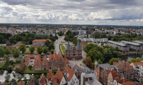 Zdjecie NIEMCY / Północne Niemcy  / Miasto Lübeck / Brama Holsztyńska