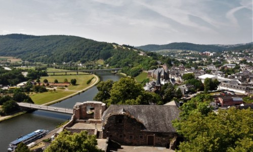 NIEMCY / Nadrenia Pallatynat / Saarburg / Saarburg, widok z zamku
