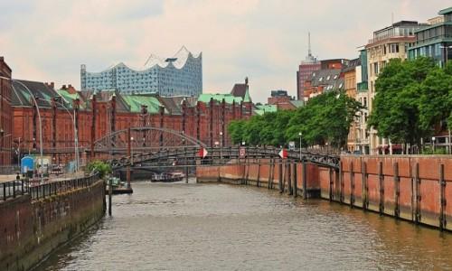 NIEMCY / Hamburg / Hamburg / Futurystycznie nad spichlerzami