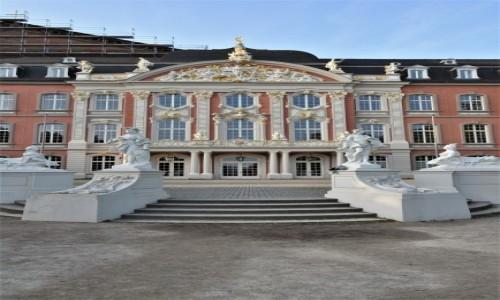 Zdjęcie NIEMCY / Nadrenia-Palatynat / Trewir / Trewir, pałac elektorów