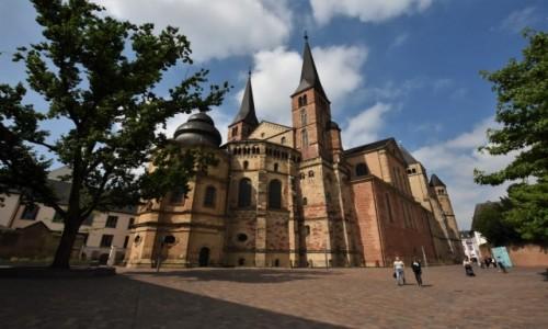 Zdjęcie NIEMCY / Nadrenia-Palatynat / Trewir / Trewir, katedra zawiera relikwie szaty Jezusa
