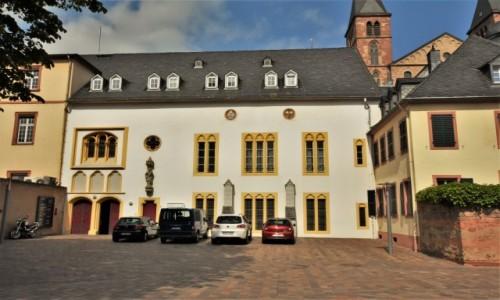 Zdjecie NIEMCY / Nadrenia Pallatynat / Trewir / Trewir, Katedra, krużganki