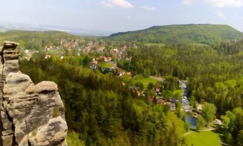 NIEMCY / Góry Żytawskie / Jonsdorf / Jonsdorf - panorama miasta ze Skał Zakonnic
