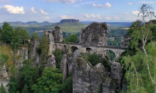 Zdjecie NIEMCY / Saksonia / Bastei / Krajobrazy Gór Połabskich