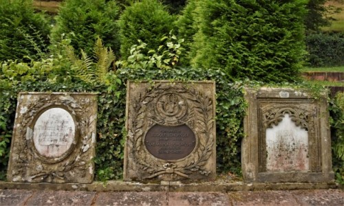 NIEMCY / Nadrenia Pallatynat / Frankenstein / Frankenstein, cmentarz, ciekawy nagrobek