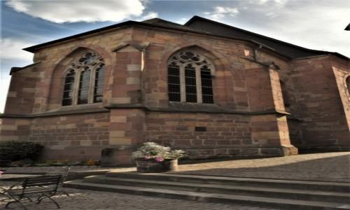 NIEMCY / Nadrenia Pallatynat / Wachenheim / Wachenheim, kościół gotycki obecnie pałac ślubów
