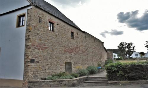 Zdjecie NIEMCY / Nadrenia Pallatynat / Wachenheim / Wachenheim, mury miejskie z XIV w.