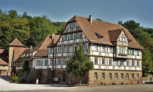NIEMCY / Badenia Witenbergia / Maulbronn / Maulbronn, plac klasztorny