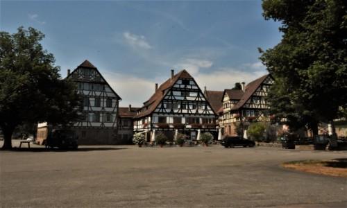 NIEMCY / Badenia Witenbergia / Maulbronn / Maulbronn, plac klasztorny - koniec