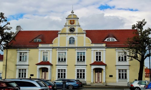 Zdjęcie NIEMCY / Brandenburgia / Eisenhüttenstadt / Dawny ratusz z 1900 roku
