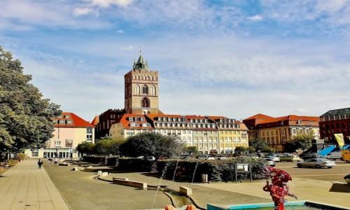 NIEMCY / Brandenburgia / Frankfurt nad Odrą / Brunnenplatz