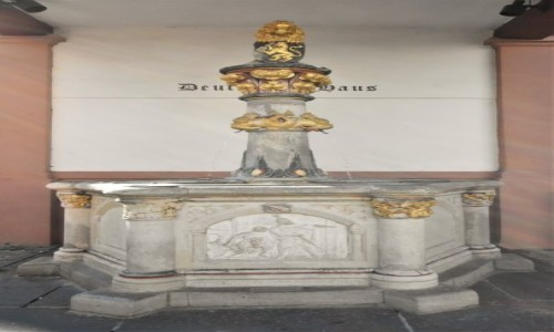 Zdjecie NIEMCY / Nadrenia Pallatynat / Alzey / Alzey, fontanna