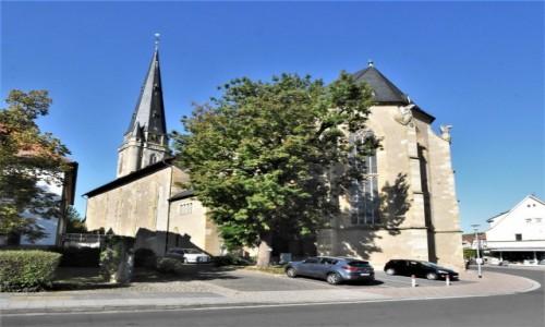 Zdjecie NIEMCY / Nadrenia Pallatynat / Alzey / Alzey, kościól gotycki św. Mikołaja, obecnie ewangelicki