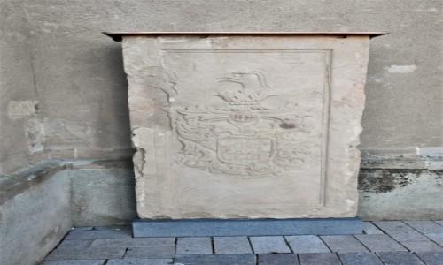 Zdjęcie NIEMCY / Nadrenia Pallatynat / Alzey / Alzey, płyty nagrobne z gotyckiego kościoła.