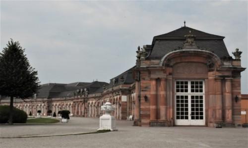 Zdjęcie NIEMCY / Badenia Witenbergia / Schwetzingen / Schwetzingen, pawilony pałacowe