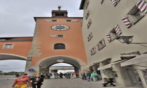 Zdjecie NIEMCY / Bawaria / Regensburg / Regensburg, brama mostowa.