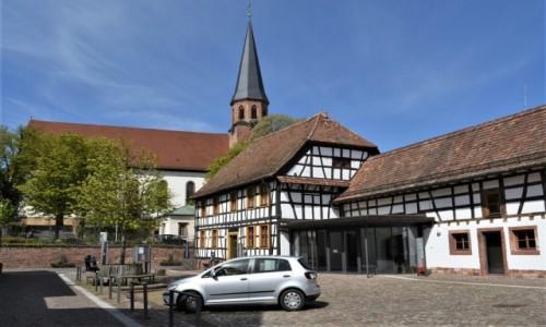 Zdjęcie NIEMCY / Nadrenia Pallatynat / Herxheim / Herxheim, muzeum i kościół