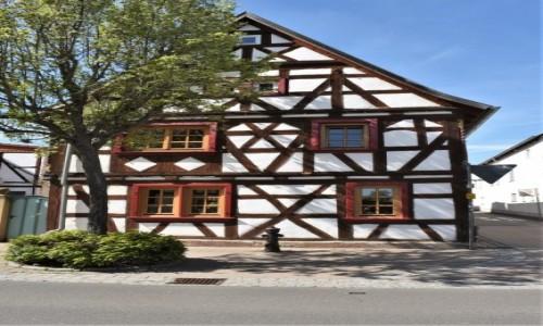 Zdjęcie NIEMCY / Nadrenia Pallatynat / Herxheim / Herxheim, stare domy
