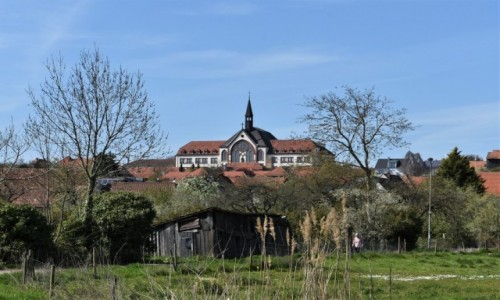 Zdjęcie NIEMCY / Nadrenia Pallatynat / Herxheim / Herxheim, widok na XIX wieczny dom opieki z kaplicą.