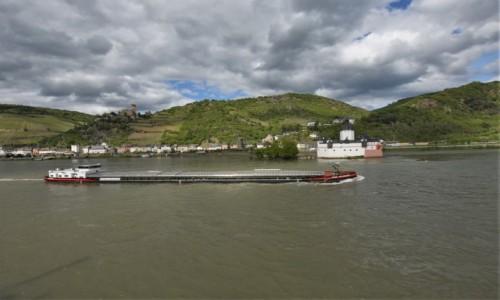 Zdjęcie NIEMCY / Dolina Renu / Kaub / Kaub, dwa zamki i barka