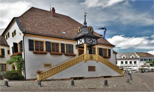 NIEMCY / Nadrenia-Palatynat / Deidesheim / Deidesheim, ratusz