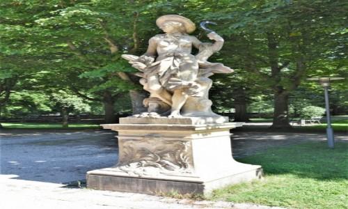 Zdjęcie NIEMCY / Badenia Witenbergia / Bruchsal / Bruchsal, ogrody pałacowe