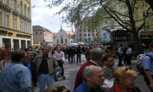 Zdjecie NIEMCY / Bawaria / Monachium / Deptak w Monachium