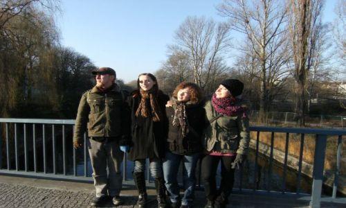 Zdjecie NIEMCY / Brandenburgia / Berlin / Nad jakąś rzeczką w Kreuzberg