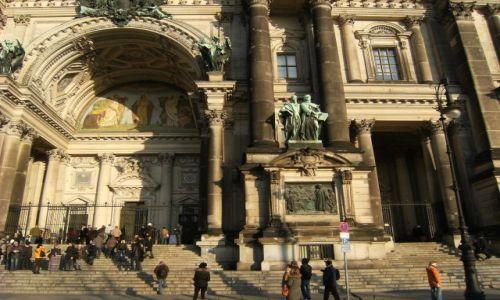 Zdjecie NIEMCY / Brandenburgia / Berlin / Wyspa Muzeow - jedno z nich