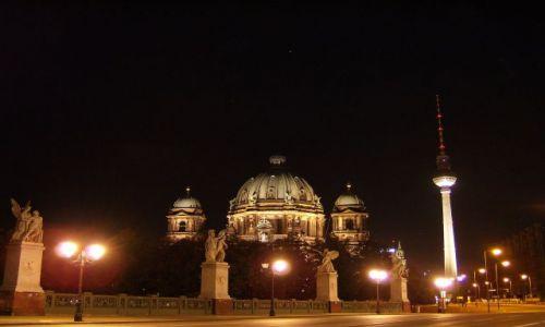 Zdjecie NIEMCY / Brandenburgia / Berlin / Berlińska katedra i wieża TV