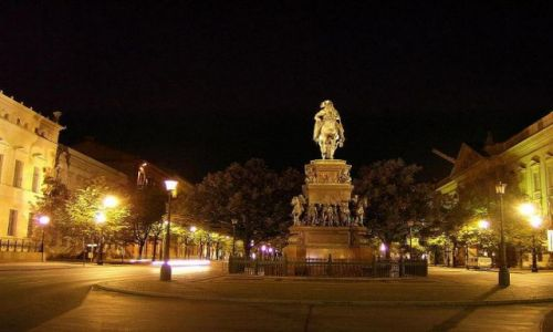 Zdjecie NIEMCY / Brandenburgia / Berlin / Unter den Linden - pomnik Fryderyka Wielkiego