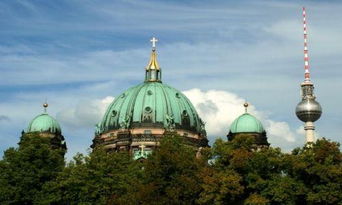 NIEMCY / Brandenburgia / Berlin / Cztery kopuły