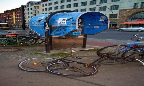 NIEMCY / - / Berlin / Rower w Berlinie wschodnim