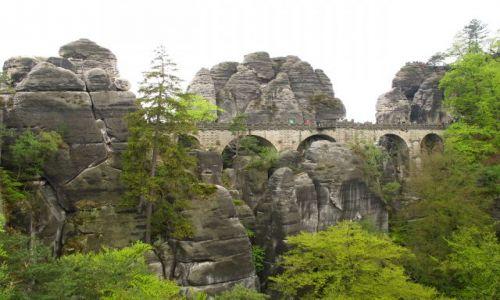 NIEMCY / Saksonia / SZwajcacria Saksonska / mosty na skałach