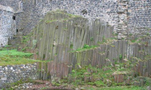Zdjęcie NIEMCY / Saksonia / zamek Stolpen,zbudowany z wykorzystaniem bazaltu / bazaltowe słupy
