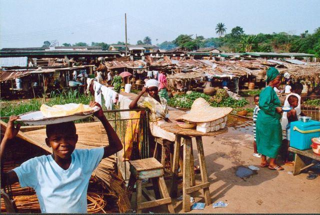 Zdjęcia: Okolice Lagos, Targ, NIGERIA