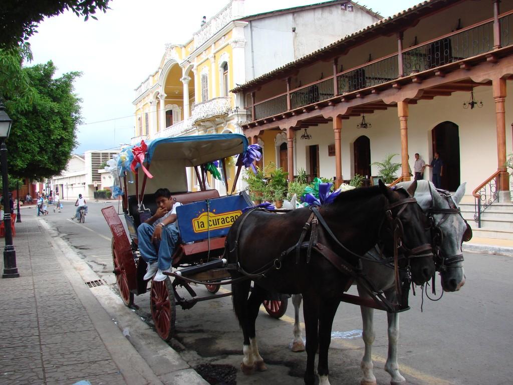 Zdjęcia: Managua, Managua, Środek lokomocji..., NIKARAGUA