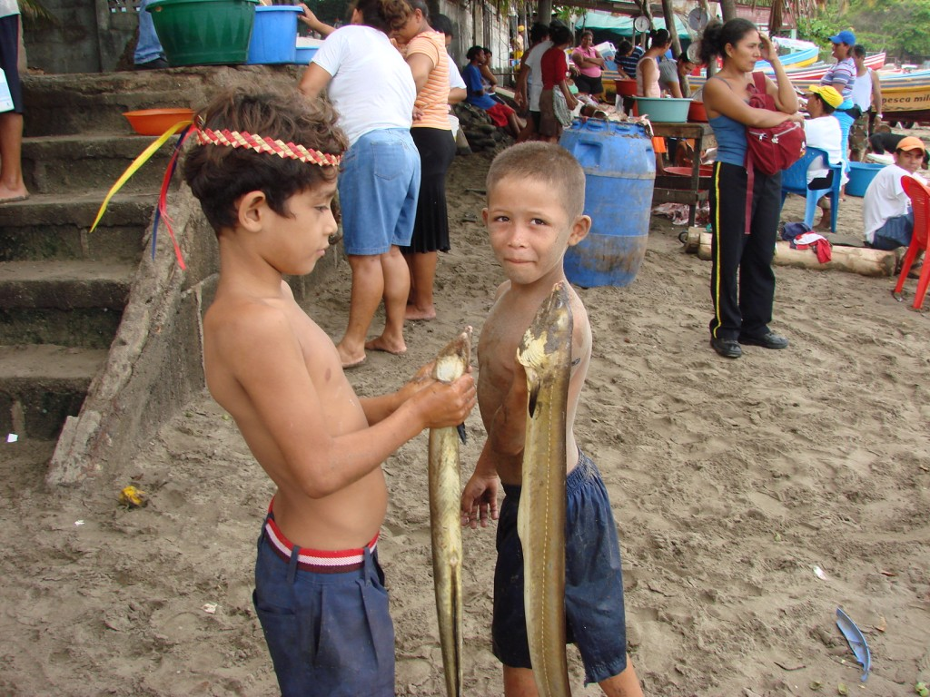 Zdjęcia: Nad Oceanem, Nad Oceanem, Każdy ciągnie coś do domu.., NIKARAGUA