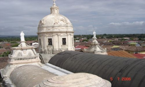Zdjęcie NIKARAGUA / Leon / Leon / Leon- na dachu katedry