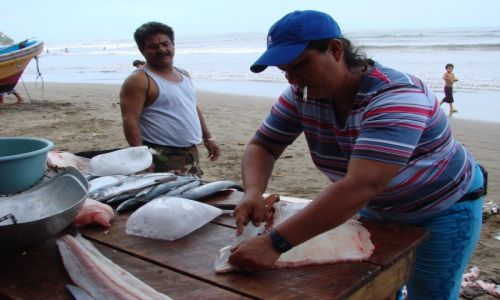 Zdjęcie NIKARAGUA / Nad Oceanem / Nad Oceanem / Ciężka praca rybaka