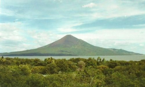 Zdjecie NIKARAGUA / Zach. Nikaragua / Leon Viejo / Wulkan Momotombo