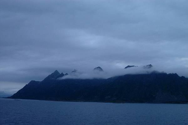 Zdj�cia: Lofoty, Lofoty, chmury noca, NORWEGIA
