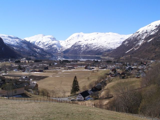Zdj�cia: Trasa Bergen-Oslo, Miasteczko, NORWEGIA