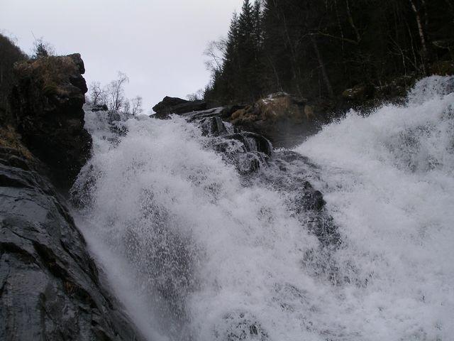 Zdjęcia: Trasa Bergen-Oslo, wodospad, NORWEGIA