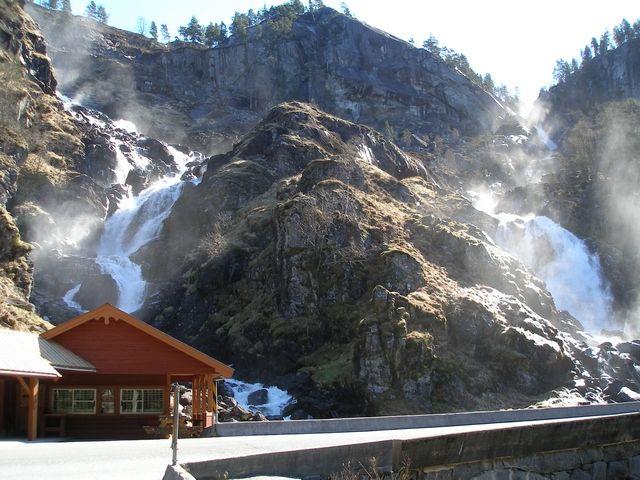 Zdjęcia: Trasa Bergen-Oslo, Wodospady, NORWEGIA