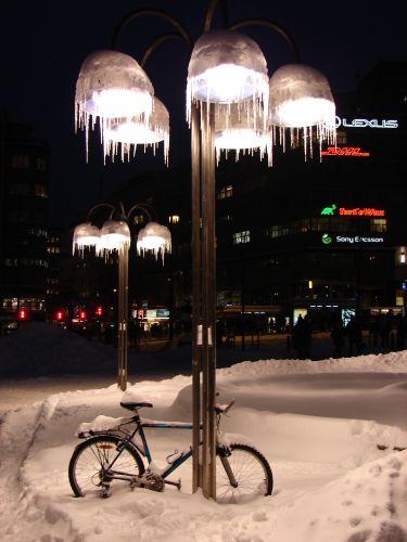 Zdjęcia: Oslo, Zmarznięta latarnia, NORWEGIA